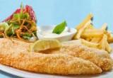 لعبة طبخ السمك بالقسماط على شاطيء البحر